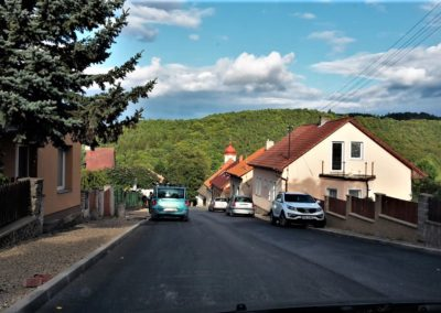 Ulice ke kostelu